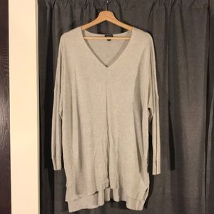 NWOT TORRID SIZE 2 (18/20) TUNIC SWEATER